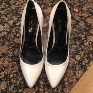 Charles by Charles David 7M White leather pumps